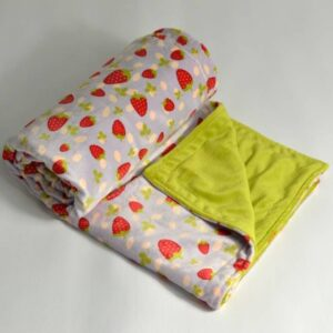 itti bitti Blanket Strawberry with Wasabi Contrast